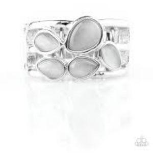 Dreamy Glowy Paparazzi Ring